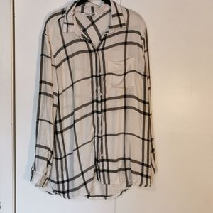 💕 2 for $30 💘 Plaid Button Up Top, size X